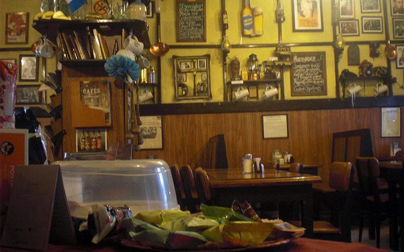 8 esquinas, bar notable tipic