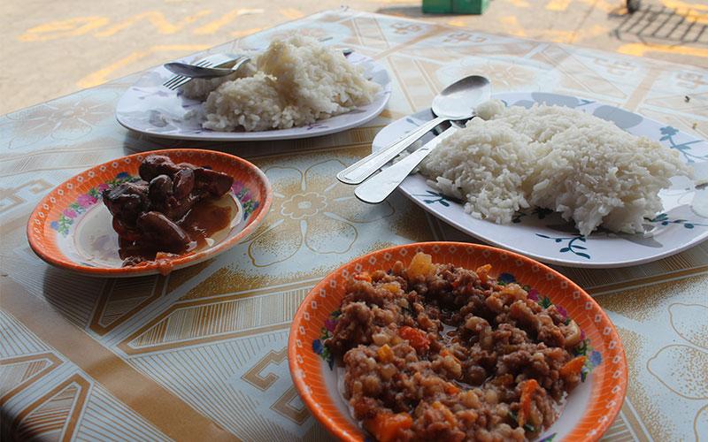 arros i carn tipic menjar de filipines