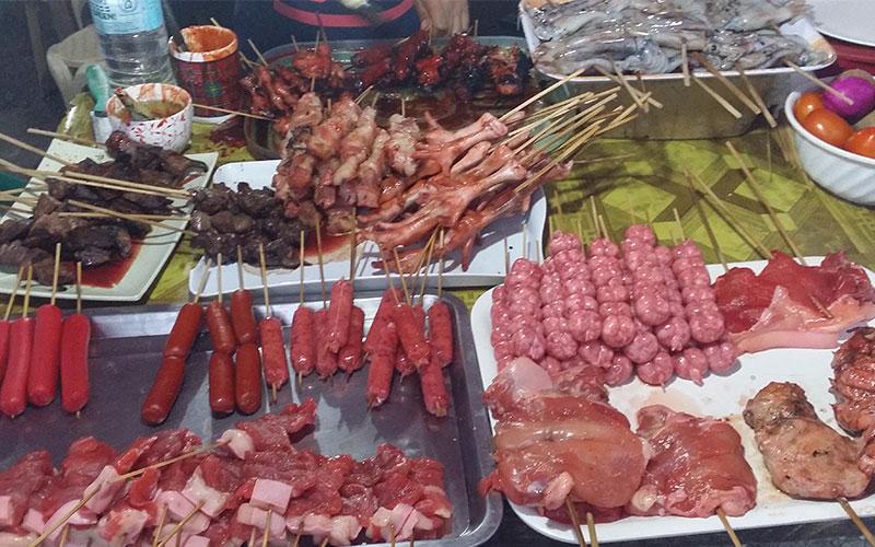 menjar al carrer a les filipines