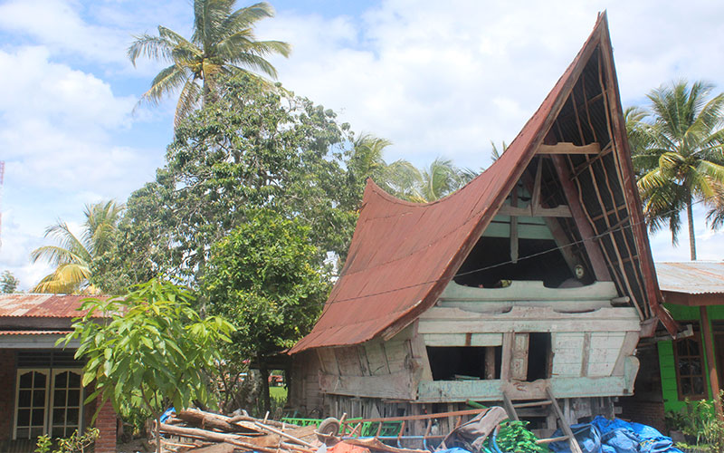 arquitectura bukit llac toba sumatra