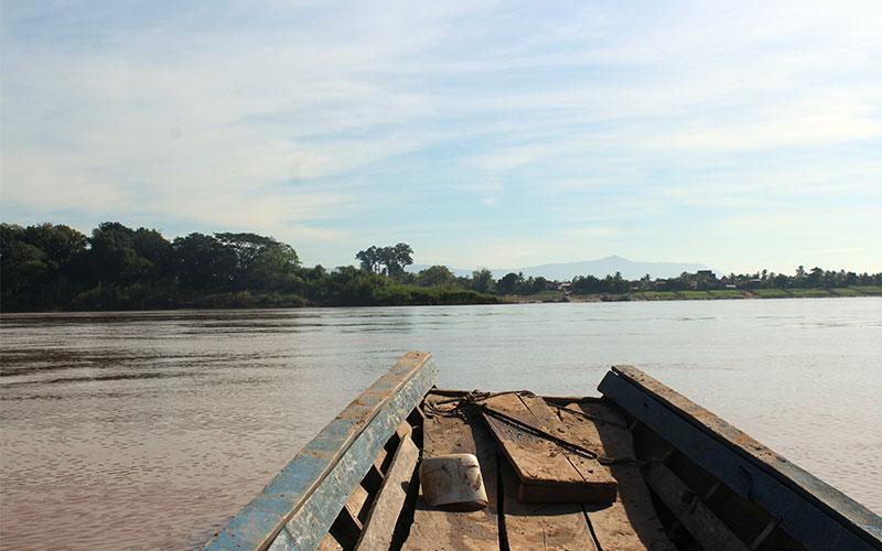 Com moure't per Laos