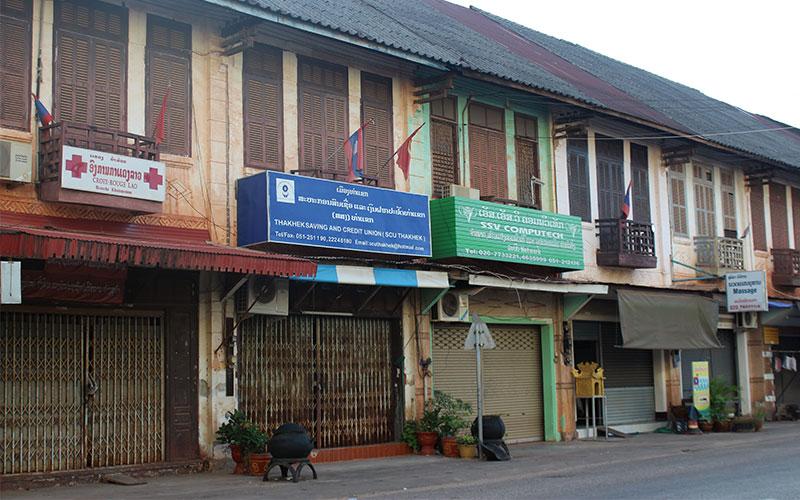 llogar una moto per visitar Thak Ket