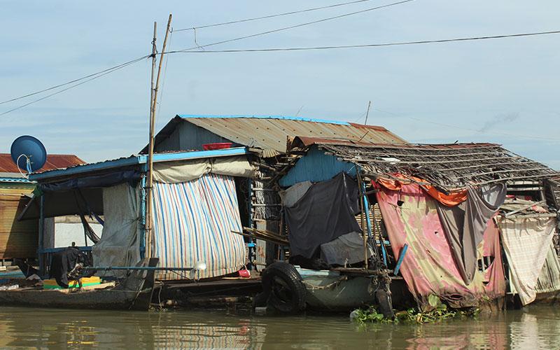 pobles flotants Cambodja