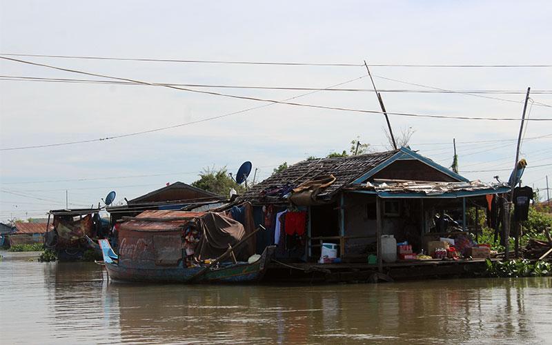 com visitar els pobles flotants de Cambodja