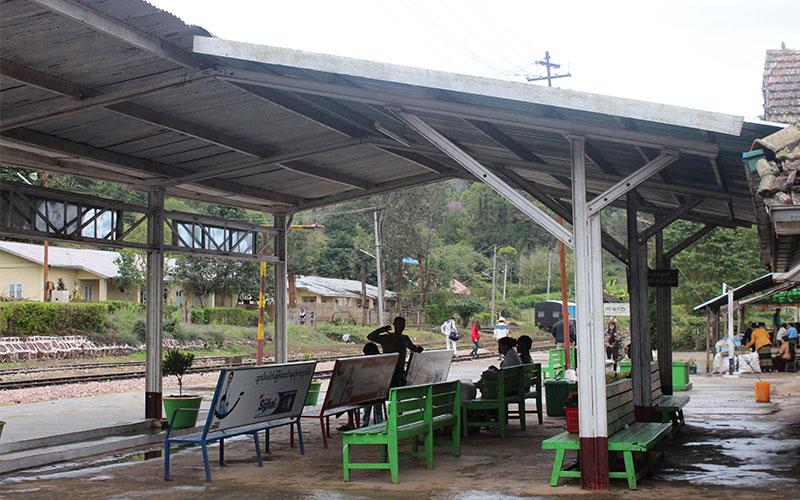 dormir estacio tren myanmar